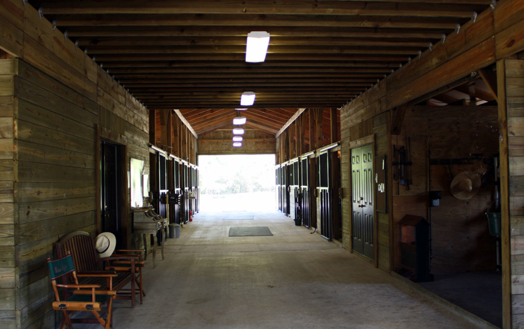 Waters Edge Stables, Professional equestrian facility, hunter/jumper specialty, full-service barn & facilities, horse boarding, riding lessons, horse shows, Boarding